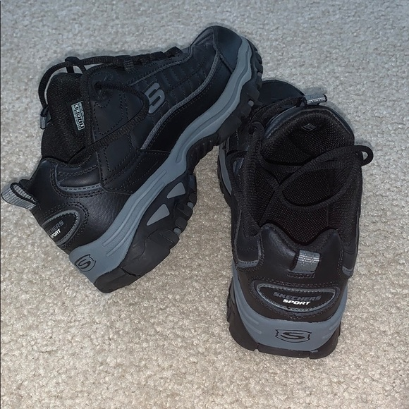 Men's Skechers leather Wide Fit size 8 NEW!